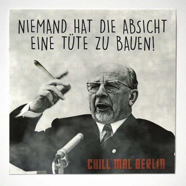 "Chill mal Berlin: ""Tüte bauen"" - Sticker - SALZIG Streetart Gallery Berlin"