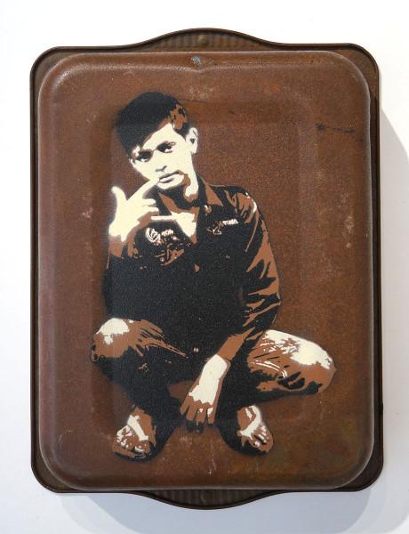 "Tona: ""Rock n Roll"" - Material: Sprühlack auf altem rostigen Metall - SALZIG Berlin - Streetart Gallery"
