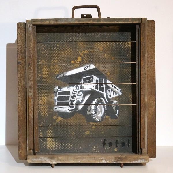 "Fatal: ""Dumper"" - stencil on wood - signed - 63 x 73 x 21 cm - FATAL Freakshow"