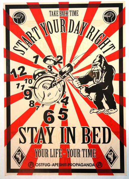 Ostfug: Start Your Day Right - Stay In Bed - Streetart - SALZIGberlin