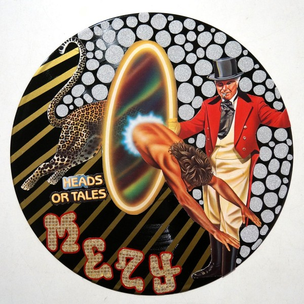 Mesy: Head or Tales - vinyl art at SALZIG Berlin