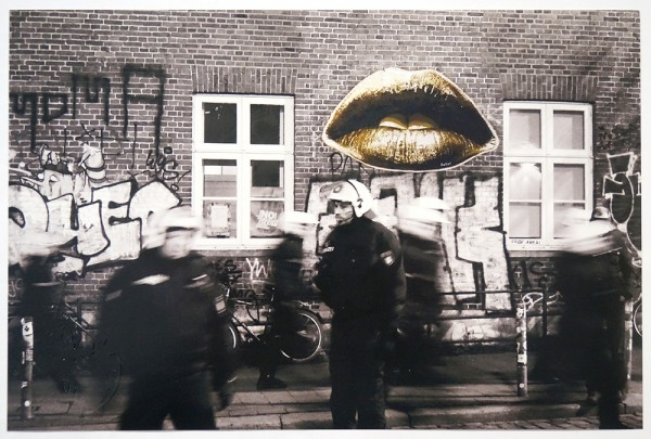 "Fatal: ""Lips"" and Police in Hamburg - Photo - PasteUp"