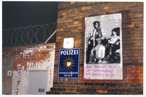 """Fatal: """"übliche Folterszene in der """"Stasi-Sicherheitsverwahrung"""" Berlin Rummelsburg um 1973"""" - pasteup"""